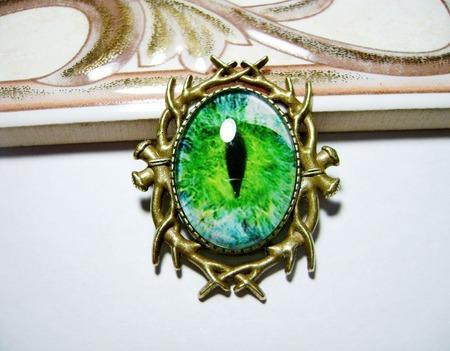 "Брошка ""Глаз"" зелёный ручной работы на заказ"
