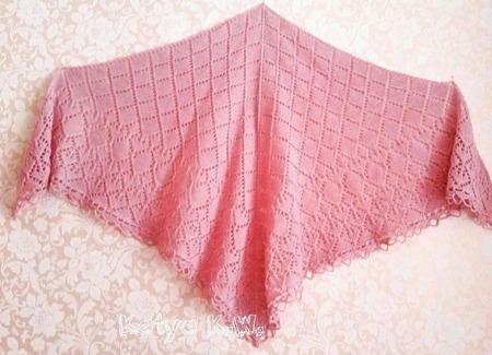Теплая ажурная шаль ручной работы на заказ