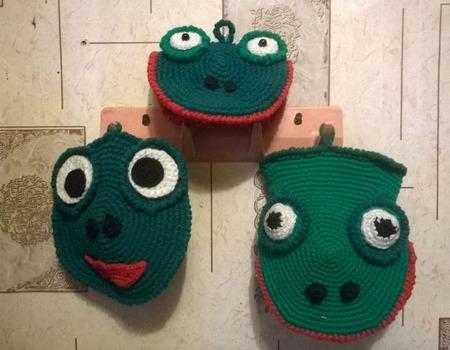 """Комплект для кухни """"Зеленые лягушки"""" ручной работы на заказ"""