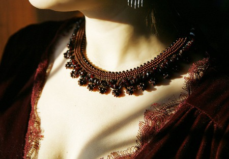 """Ожерелье """"Капли шоколада"""" с гранатом ручной работы на заказ"""
