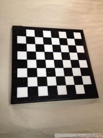 Шахматная доска из мрамора ручной работы на заказ