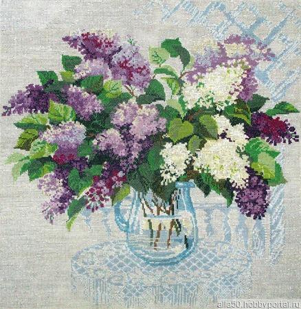 Вышитая картина крестом Аромат весны. Букет сирени ручной работы на заказ
