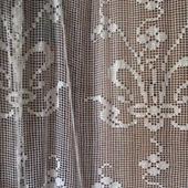 Вязаная штора  ажурная на кухню