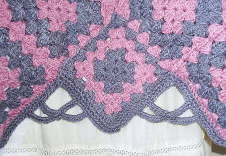 Стильное вязаное пончо ручной работы на заказ