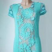 Вязаное крючком платье с кружевными вставками