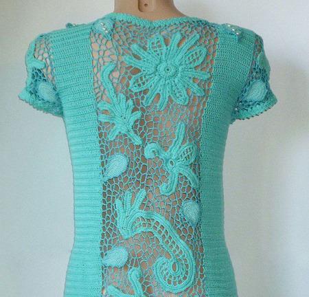 Вязаное крючком платье с кружевными вставками ручной работы на заказ