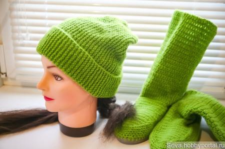 Комплект шапочка бини и сапожки ручной работы на заказ