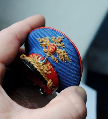 """Брелок-сувенир """"полицейская фуражка"""" ручной работы на заказ"""