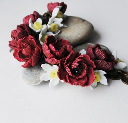 """Браслет из полимерной глины """"пионы и нарциссы"""" ручной работы на заказ"""