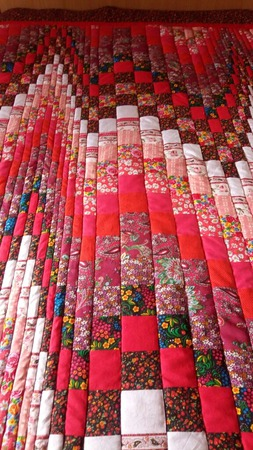 Лоскутное покрывало Красная поляна ручной работы на заказ