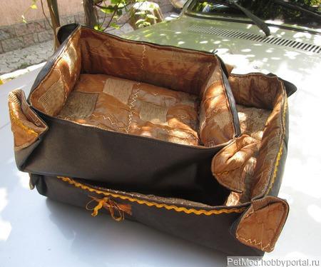 Мягкий лежак для собачки ручной работы на заказ