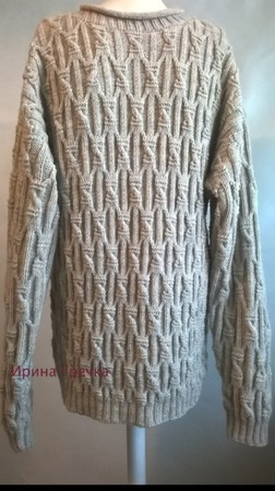 Светло-бежевый пуловер ручной работы на заказ