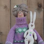 Тильда Маргарет с зайцем