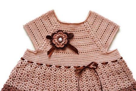 Платье вязаное крючком из хлопка для девочки Три шоколада ручной работы на заказ