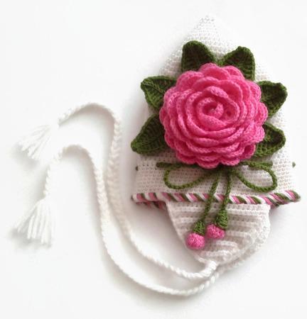 Шапка и шарф из шерсти для девочки. Комплект Розовые розы ручной работы на заказ