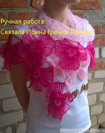 Шаль-платок с фантазийными цветами ручной работы на заказ