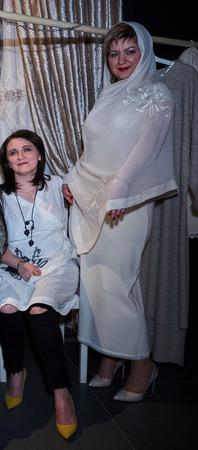 Палантин  с вышивкой Роза шифон шаль шарф ручной работы на заказ