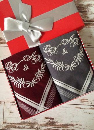 Носовые платочки  мужские Дуэт с вышивкой  Вензель Монограмма ручной работы на заказ