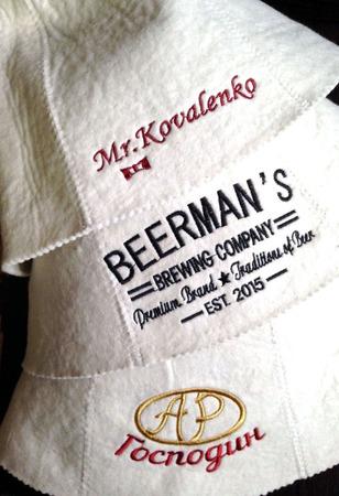 Вышивка на шапочке для бани ручной работы на заказ