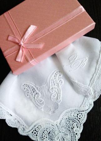 Носовой платок женский Сфинкс батист кружево хлопок монограмма ручной работы на заказ