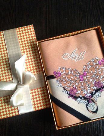 Носовой платочек Сердце женский с вышивкой инициалов монограмма ручной работы на заказ