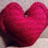 "Подушка ""Красное сердце"""