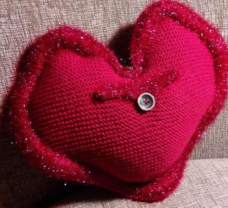 """Подушка """"Красное сердце"""" ручной работы на заказ"""