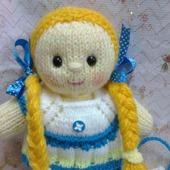 Вязаная куколка Кнопочка