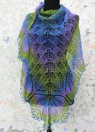 Шаль вязаная из шерсти Кауни ручной работы на заказ