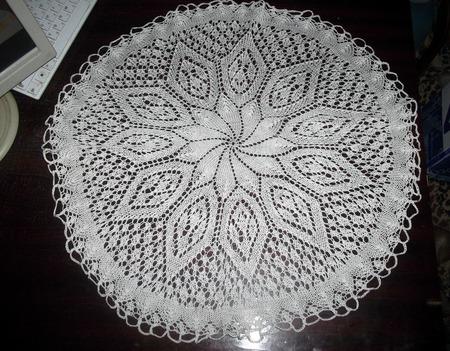 Большая вязаная спицами  салфетка (мини - скатерть) ручной работы на заказ