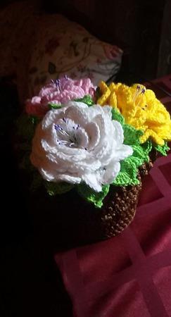 Вязаный горшок с цветами Розовые розы ручной работы на заказ