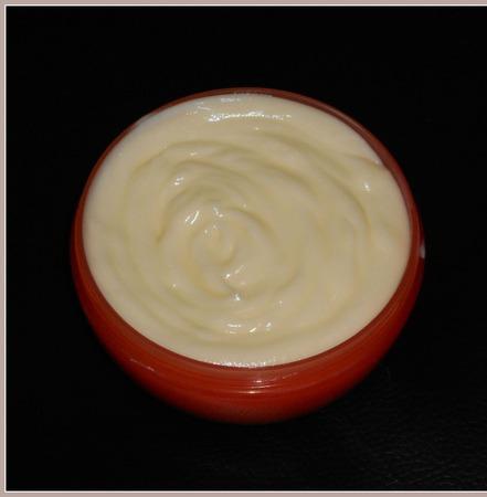 Маска для волос с яичным желтком для сухих,ослабленных и поврежденных ручной работы на заказ