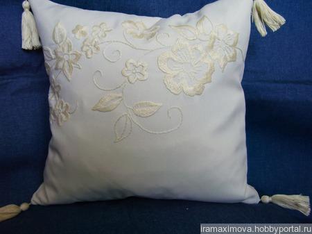 Подушка декоративная (чехол) ручной работы на заказ