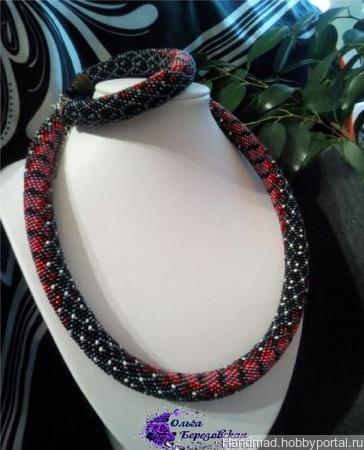 """Комплект из бисера """"Краснобрюхая змея"""" ручной работы на заказ"""
