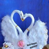 Свадебные лебеди из конфет