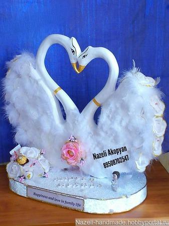 Свадебные лебеди из конфет ручной работы на заказ