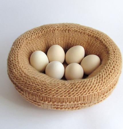 Символ 2017 года Вязаная курица пеструшка, грелка для яиц ручной работы на заказ