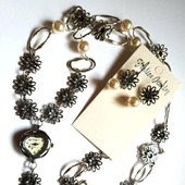 Комплект часы на цепочке с серьгами жемчуг сваровски