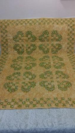 Детское стеганое одеяло в стиле пэчворк ручной работы на заказ