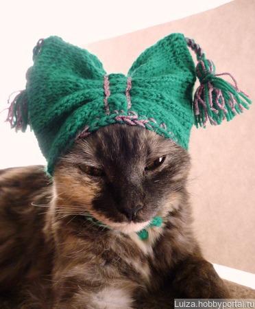 Шапочка для собачек и кошек  с закрытыми ушками. ручной работы на заказ