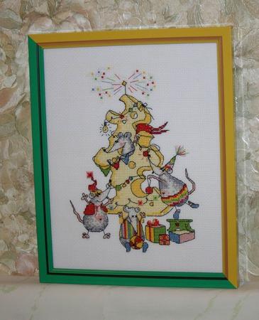 """Вышитая картина """"Новогоднее угощение"""" ручной работы на заказ"""