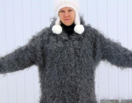 Пальто пуховое с капюшоном ручной работы на заказ