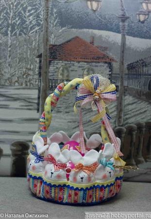Пасхальная корзина с зайцами ручной работы на заказ