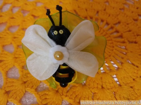 """Резинка для волос """"Веселая пчелка"""" ручной работы на заказ"""