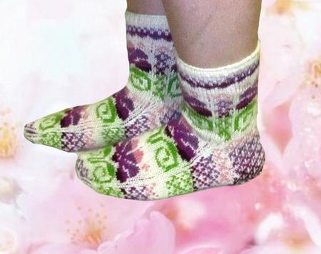 """Носки """"Фиолетовый цветочек""""  шерстяные ручной работы на заказ"""