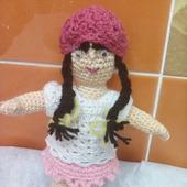 Кукла девочка с длинными волосами
