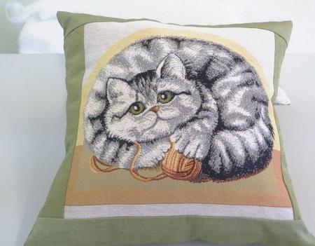 Подушка-думочка ручной работы на заказ