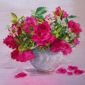 Цветущий сад. Розы и ромашки