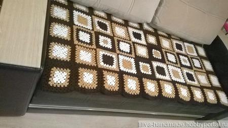 Стильный бабушкин квадрат ручной работы на заказ