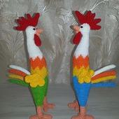 фото: Куклы и игрушки (вязаные петушки)